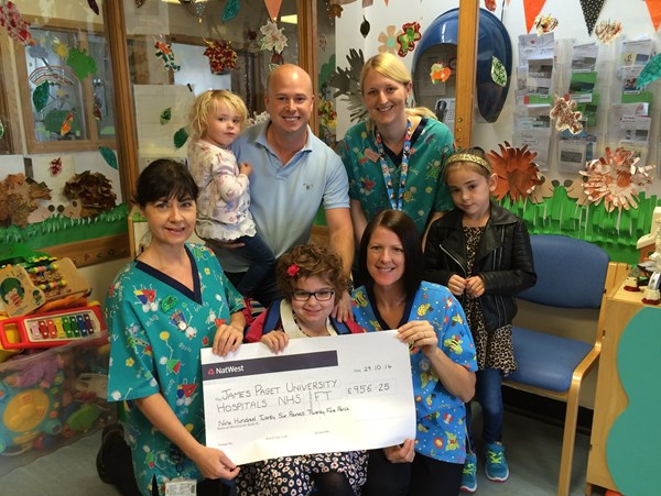 Lee and Sydnee say thank you to Children's Ward
